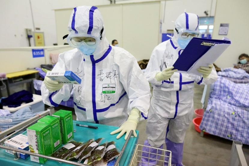 中国抗疫白皮书:中医药救治病例占比92% 连花清瘟等中成药疗效确切