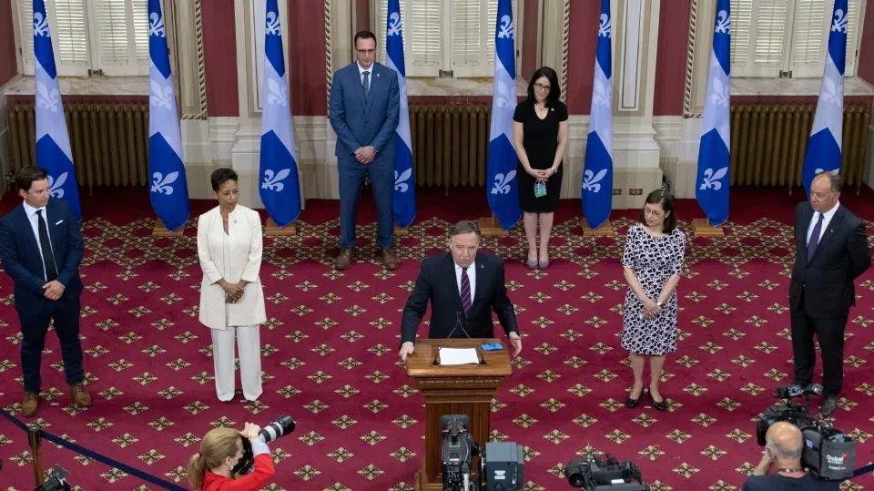 【必看】魁省内阁重组,PEQ新政推手移民部长换人,新政前景仍不明朗!教育、卫生等部门也大换血!