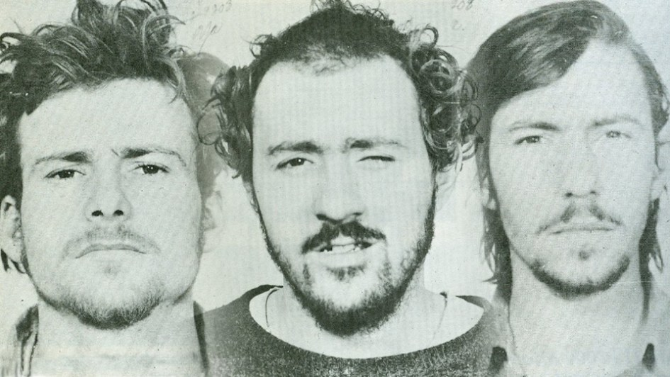 Jacques Rose, Paul Rose et Francis Simard, membres du Front de libération du Québec (FLQ), à leur arrestation