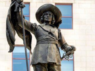 盘点魁省那些有争议的历史人物雕像