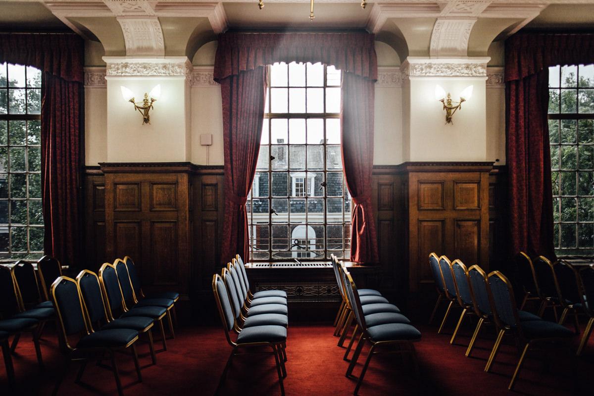 Islington Town Hall Richmond Room | London elopement photographer SP