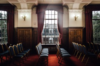 Islington Town Hall Richmond Room | London elopement photographer SP