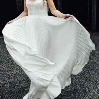 Odylyne the Ceremony wedding dress   Cool bride   Bridal photography