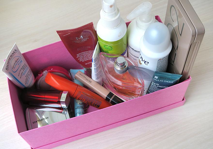 produse-cosmetice-folosite-dimineata