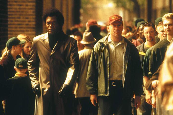 Samuel L. Jackson et Bruce Willis dans une scène du film Incassable