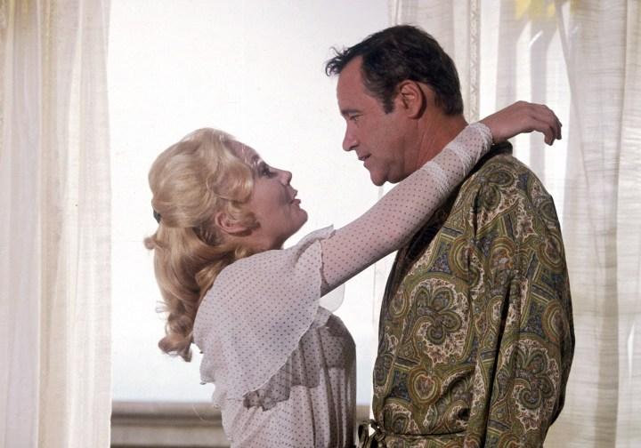 Juliet Mills et Jack Lemmon dans le film Avanti! de Billy Wilder