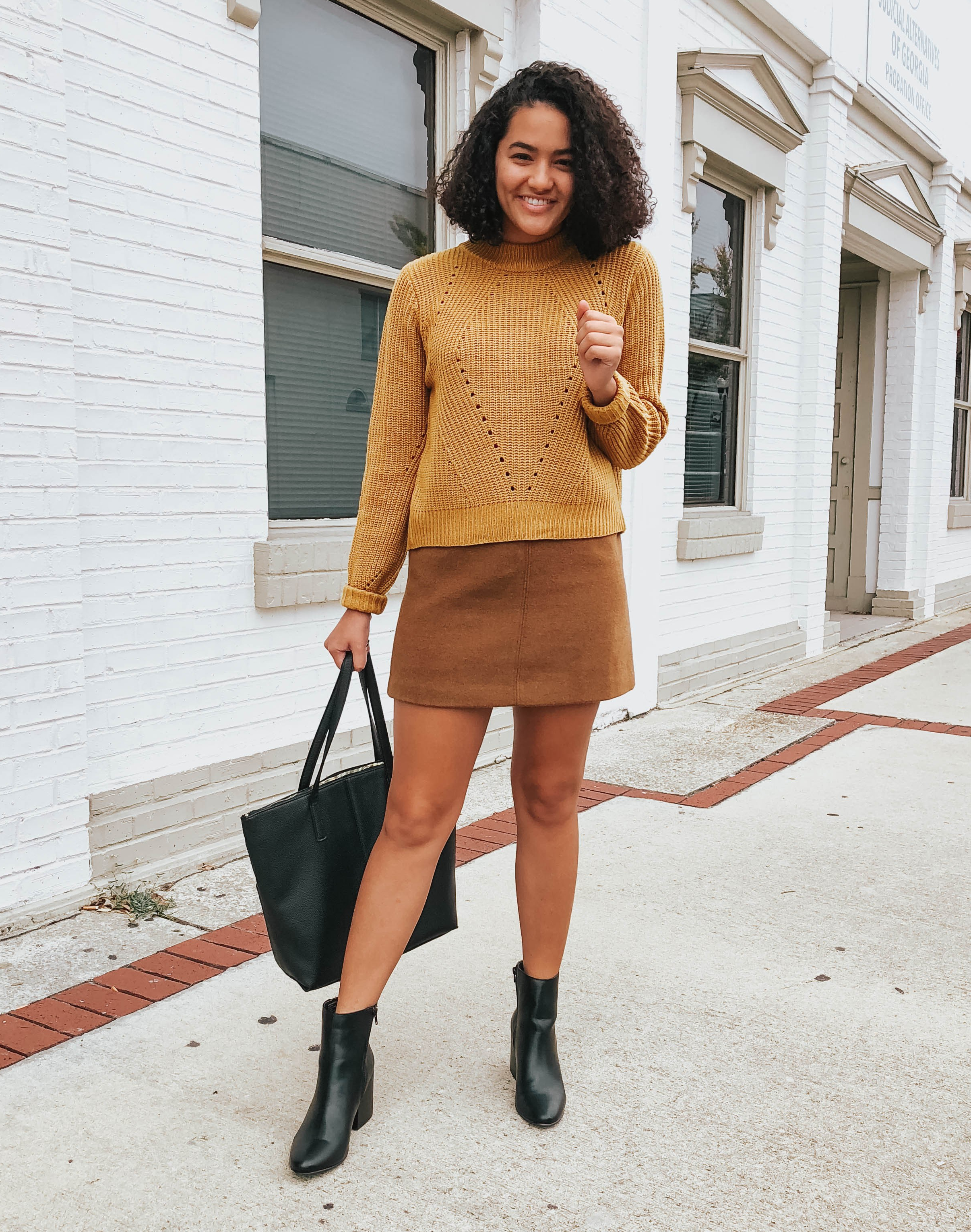 yellow-sweater-entourage-winter-style-review