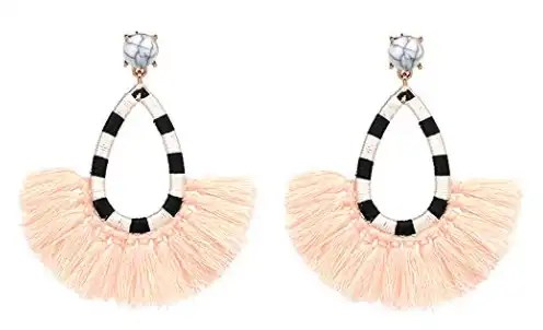 tassle-dangle-earrings-perfect-for-the-holidays