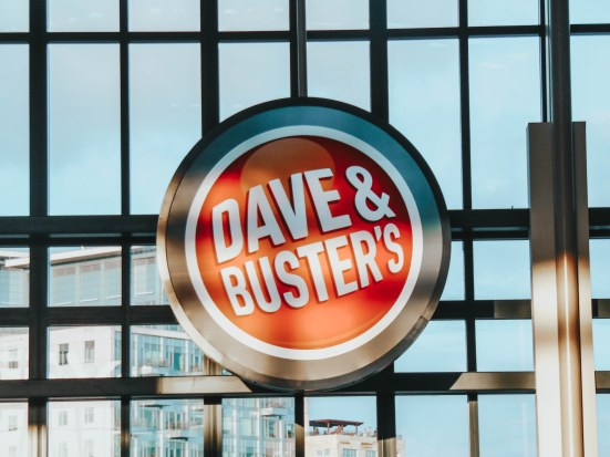 arcade-dave-and-busters-unvonventional-valentines-day-dates