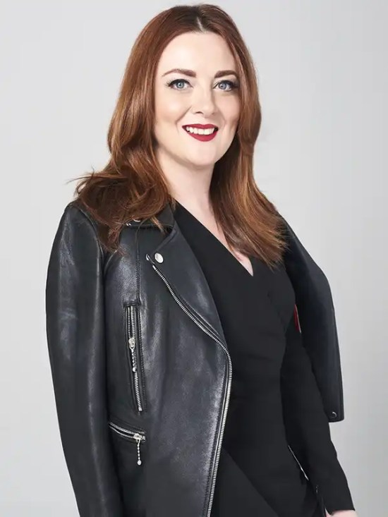 Samantha Barry Headshot Association of Media