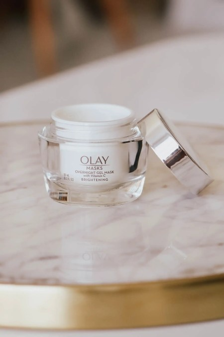 Olay overnight gel mask with vitamin C
