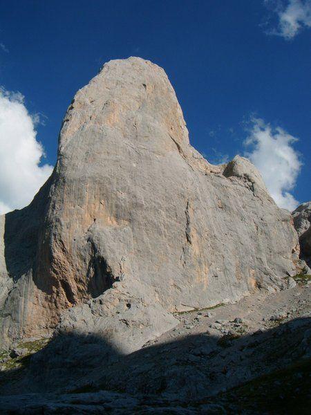escalada guiada Naranjo de Bulnes Picos de Europa SERAC COMPAÑÍA DE GUÍAS