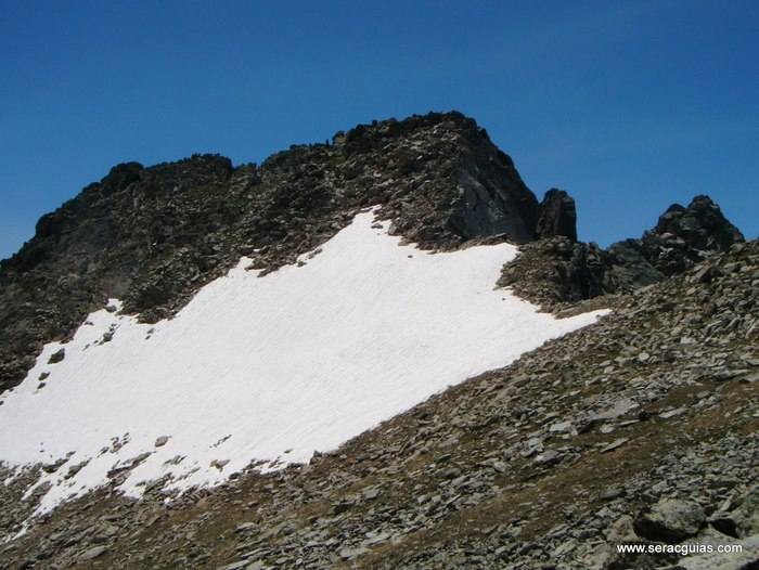 Cresta Amitges Saboredo Sageta Aiguestortes Pirineo 10 SERAC COMPAÑÍA DE GUÍAS