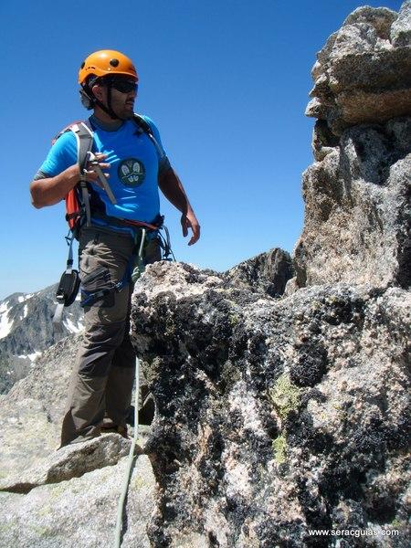 Cresta Amitges Saboredo Sageta Aiguestortes Pirineo 5 SERAC COMPAÑÍA DE GUÍAS