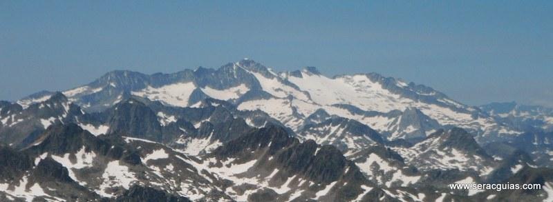 Cresta Amitges Saboredo Sageta Aiguestortes Pirineo 8 SERAC COMPAÑÍA DE GUÍAS