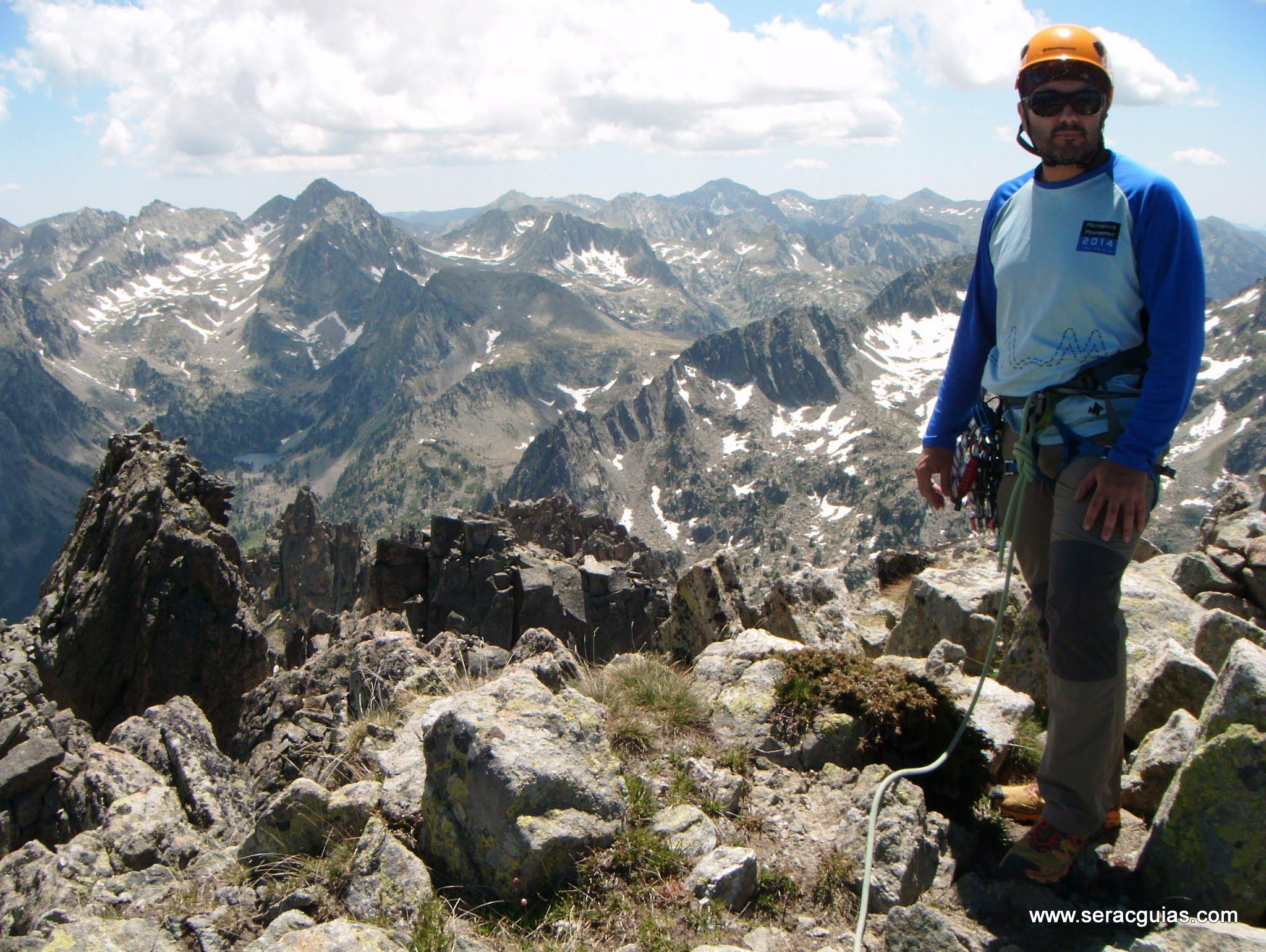 Cresta Basiero Amitges Pirineo 12 SERAC COMPAÑÍA DE GUÍAS