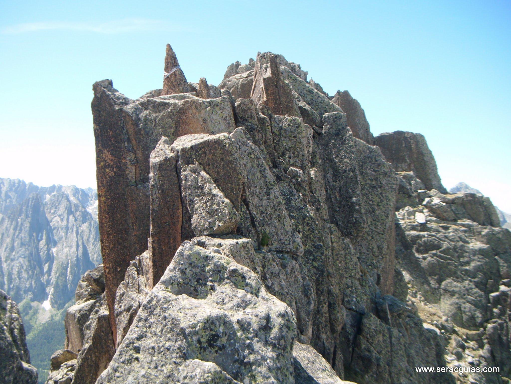 Cresta Basiero Amitges Pirineo 8 SERAC COMPAÑÍA DE GUÍAS