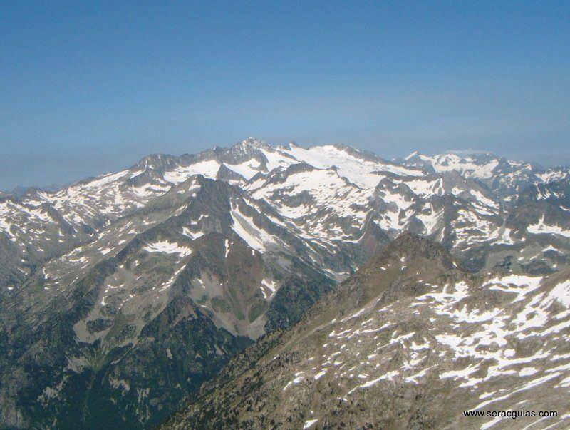 Cresta Besiberri Pirineo 8 SERAC COMPAÑÍA DE GUÍAS