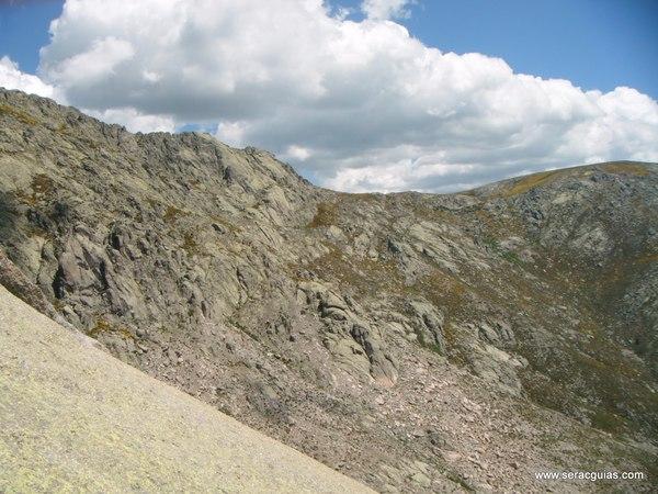 escalada Peña Gallina Espaldar Galayos Gredos 6 SERAC COMPAÑÍA DE GUÍAS