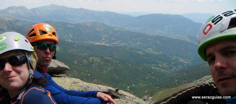 escalada Peña Gallina Espaldar Galayos Gredos 7 SERAC COMPAÑÍA DE GUÍAS