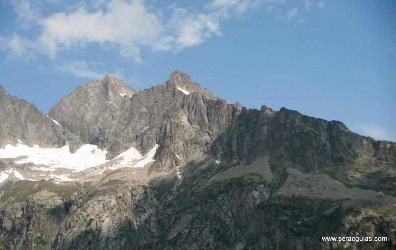 escalada cresta arista hautes pyrenees pirineo 1 SERAC COMPAÑÍA DE GUÍAS