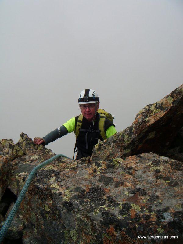 escalada cresta arista hautes pyrenees pirineo 4 SERAC COMPAÑÍA DE GUÍAS