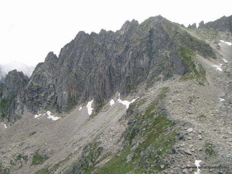 escalada cresta arista hautes pyrenees pirineo 6 SERAC COMPAÑÍA DE GUÍAS