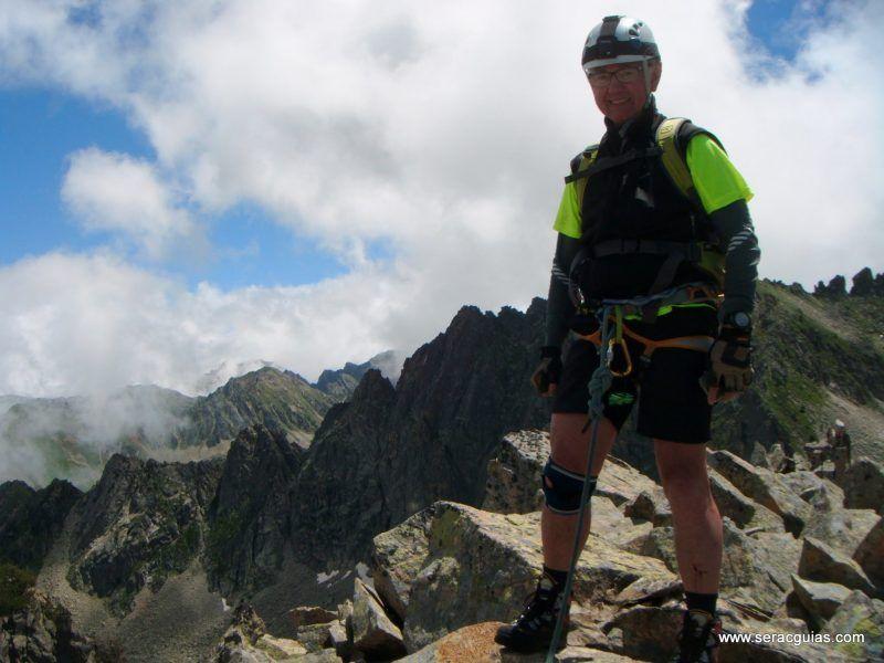 escalada cresta arista hautes pyrenees pirineo 7 SERAC COMPAÑÍA DE GUÍAS