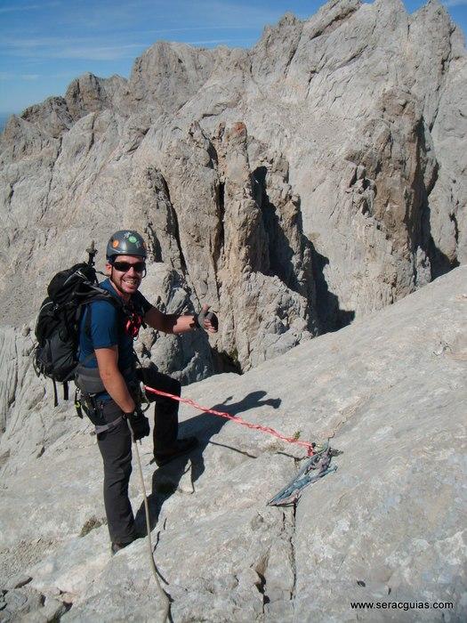 escalada arista cresta picos de europa 2 SERAC COMPAÑÍA DE GUÍAS