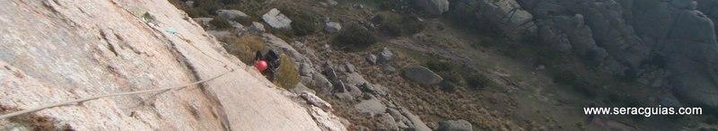 escalada Calavera Yelmo Pedriza Guadarrama 4 SERAC COMPAÑÍA DE GUÍAS