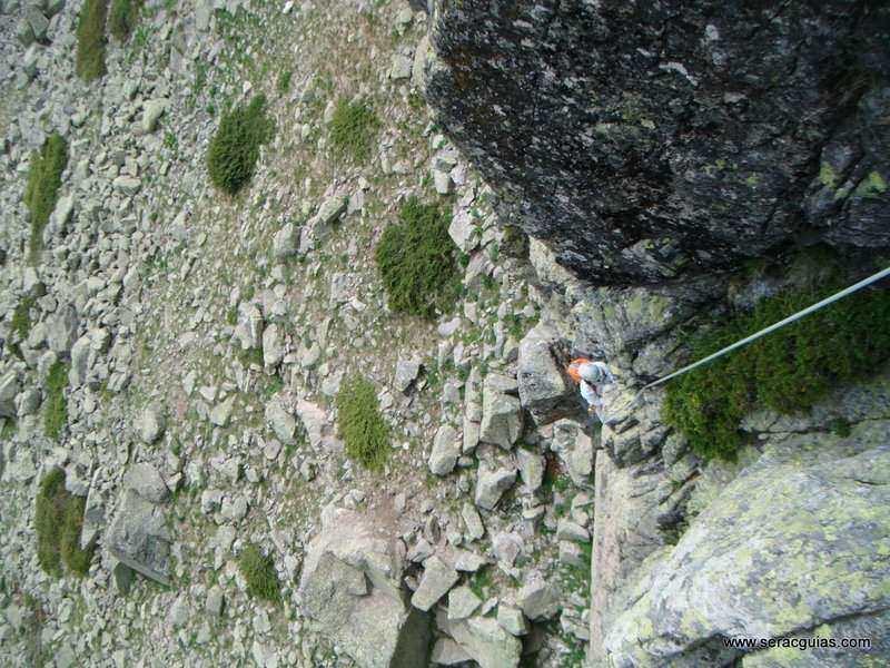 escalada 9 Peñalara Sierra de Guadarrama Madrid SERAC COMPAÑÍA DE GUÍAS