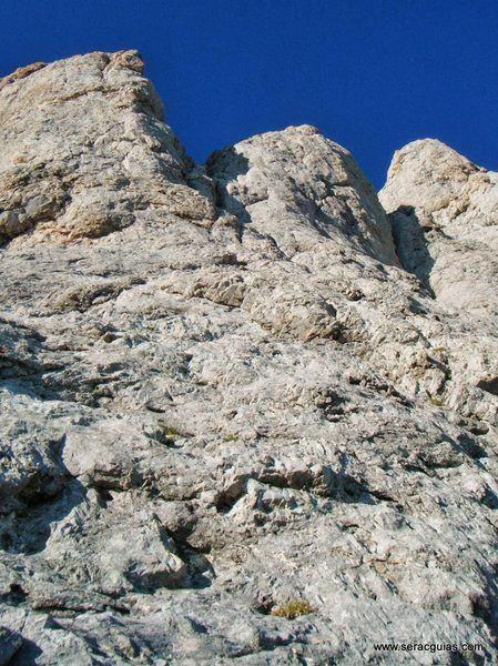 chimenea cara norte naranjo de bulnes picos de europa SERAC COMPAÑÍA DE GUÍAS