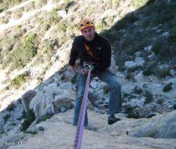 como rapelar escalada alpinismo SERAC COMPAÑÍA DE GUÍAS