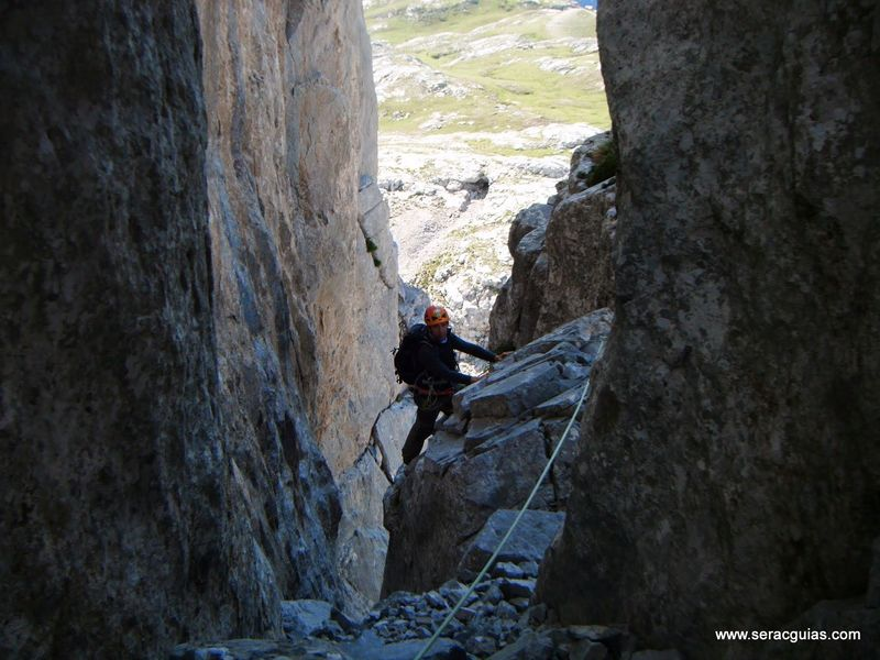 Aguja Escondida 4 Picos de Europa SERAC COMPAÑÍA DE GUÍAS