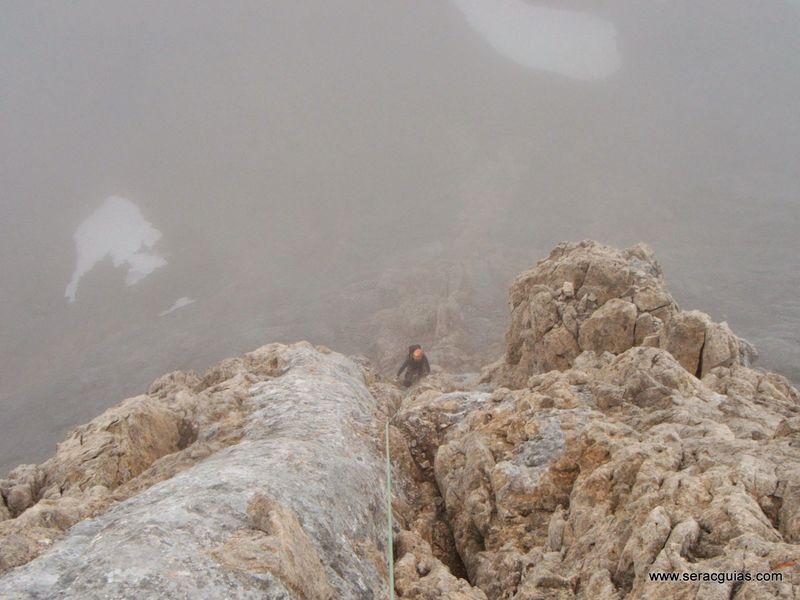 Espolon Rojizo 3 Santa Ana Picos de Europa SERAC COMPAÑÍA DE GUÍAS