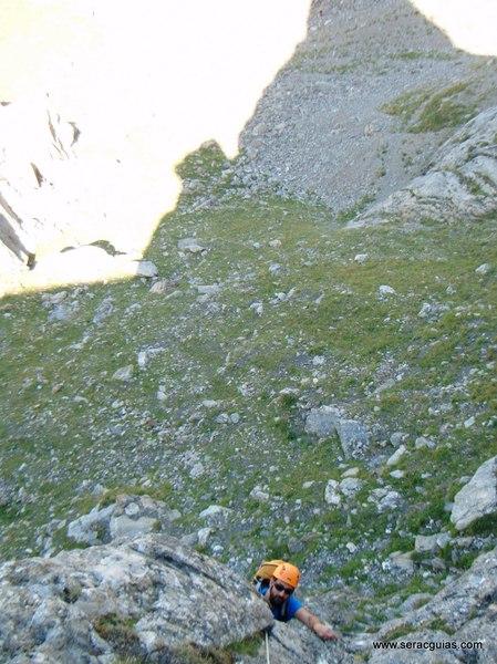 Aguja Portalet 1 Valle Tena Pirineo SERAC COMPAÑÍA DE GUÍAS
