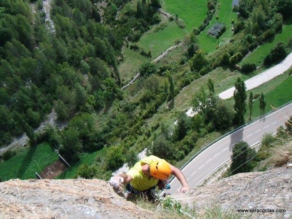 Capricornio Forronias 3 Valle Tena Pirineo SERAC COMPAÑÍA DE GUÍAS