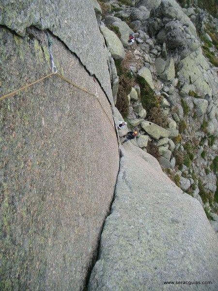 escalada Gilette Berroqueras Galayos Gredos 2 SERAC COMPAÑÍA DE GUÍAS
