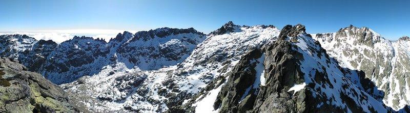 cresta invierno Cerro Huerto Circo Gredos Avila SERAC COMPAÑÍA DE GUÍAS