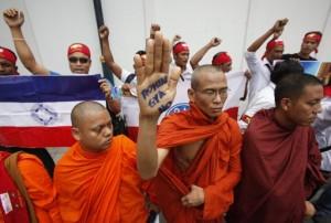 Biksu-Myanmar-demo-anti-penyelamatan-muslim-rohingya