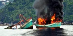 TNI AL RI TENGGELAMKAN Empat Kapal Asing