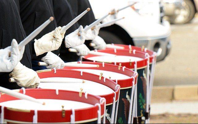 drummers-642540_640 Imagen de skeeze en Pixabay