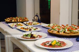 DINNER LA MER