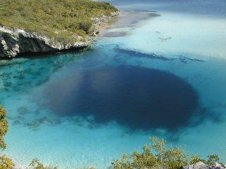 Најдубља плава рупа на Бахамима (180 m)