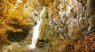 водопад Шушара у бакарном руху