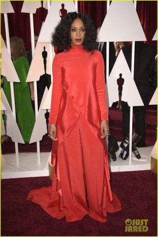 solange-knowles-hits-the-oscars-2015-red-carpet-01