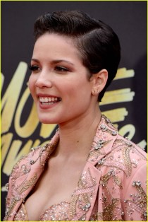 halsey-arrival-mtv-movie-awards-04