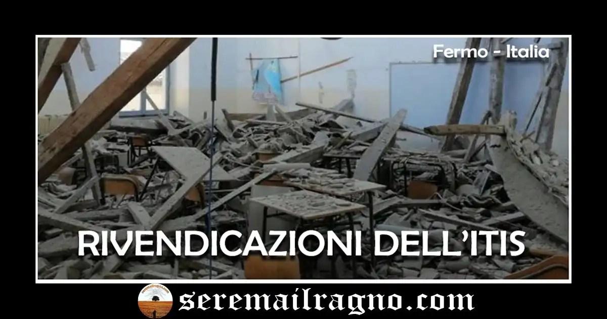 Fermo: crolla il tetto dell'aula, strage sfiorata