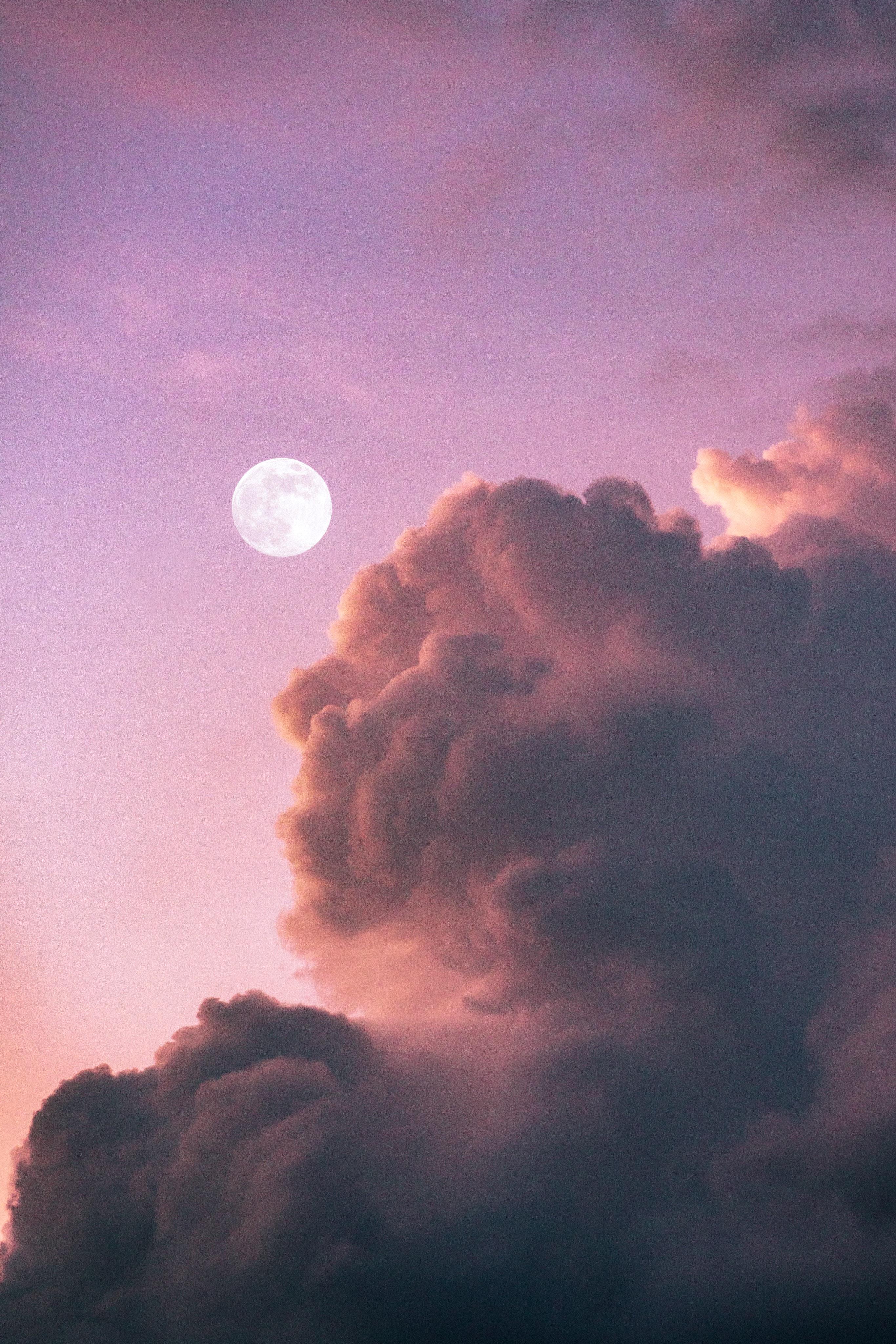 Rituels lunaires de libération : Quel rituel faire à la pleine lune ?