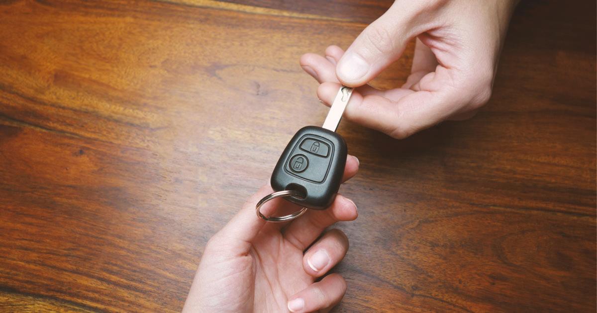 Como y cuando quitarle las llaves del carro a tus papás